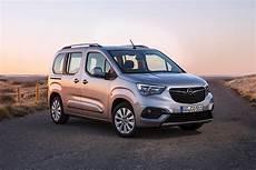 opel combo specs photos 2018 2019 autoevolution