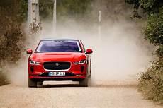 das beste elektroauto bye bye tesla der jaguar i pace ist das beste
