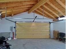garage innen mit holz garagentore allemann 174 gmbh holz u metallprodukte