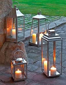 lanterne pour jardin la lanterne bougie un objet d 233 co classique en 45 photos