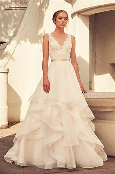 V Neck Lace Wedding Gown scalloped v neck lace bodice tulle skirt wedding dress