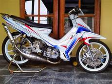 Modifikasi F1zr by 12 Modifikasi Motor Yamaha F1zr Keren Terbaru Otomotiva