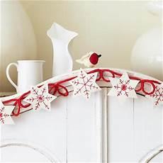 schneeflocken girlande basteln weallsew for the holidays diy festive ornaments and