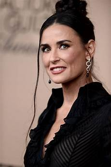 demi moore at screen actors guild awards 2016 in los