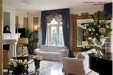 wohnzimmer mit sofa im landhausstil hell und so gem 252 tlich