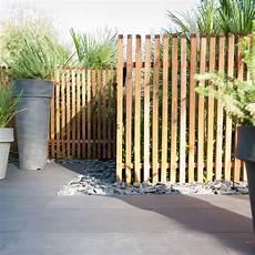 cloture treillis bois cloture en bois plus fence design schmaler garten