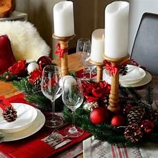 weihnachtliche tischdekoration im romantische rot look