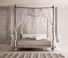 letto a baldacchino in ferro battuto letto a baldacchino in rovere e ferro battuto villa