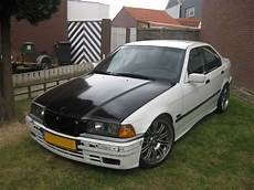 how does cars work 1994 bmw 3 series spare parts catalogs conta 1994 bmw 3 series318i sedan 4d specs photos modification info at cardomain