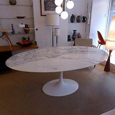 Table De Salle 224 Manger Ovale En Marbre Par Eero Saarinen