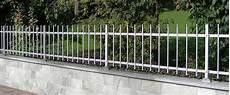 vorgarten zaun metall zaunsysteme aus metall aluminium und edelstahl zaun