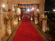 here are few tips for your wedding reception entrance
