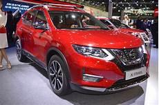 2018 nissan x trail showcased at the 2017 dubai motor show