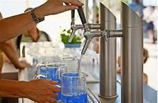 was kostet leitungswasser trinkwasseraktion in ludwigsburg kostenloses wasser an