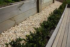 Southpoint Garden Supplies White Pebble 20mm Southpoint