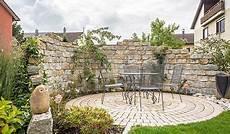 Natursteinmauer Als Wind Und Sichtschutz Natursteinmauer