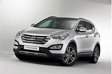 fe auto hyundai reveals european 2013 santa fe suv in announcing uk prices gets 194hp diesel carscoops