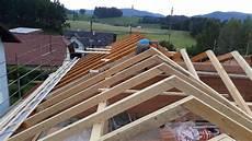 dachkonstruktionen aus holz dach aus holz warm oder kaltdach karl schartm 220 ller