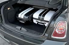 mini cabrio kofferraum foto mini cooper sd coupe kofferraum mit durchlade vergr 246 223 ert