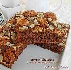 torta con i wafer torta al cioccolato con wafer e amaretti al caffe