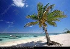 Malvorlagen Meer Und Strand Sommer Sonne Strand Und Meer Stockfoto 629502