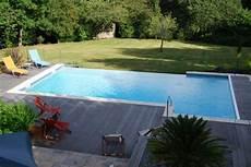 piscine bois sur mesure piscine d 233 bordement terrain plat
