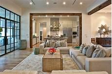 10 Desain Unik Interior Ruang Keluarga Mobimu