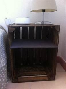 table de chevet lalloux table de chevet avec des caisses de pommes