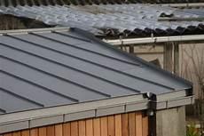 toit plat en zinc toit v 233 g 233 talis 233 sur local technique piscine r 233 solu 34