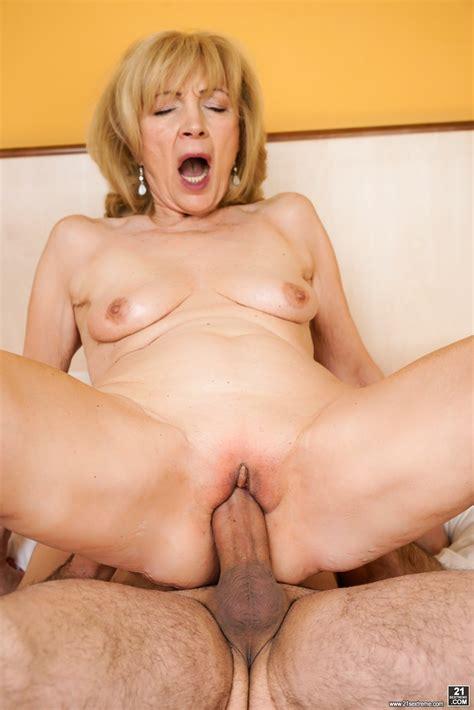 Horny Mature Women