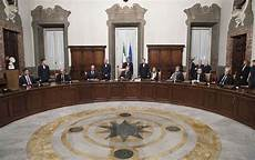 consiglio dei ministri il consiglio dei ministri scioglie i consigli comunali di