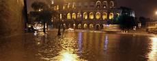 Malvorlagen Unterwasser Tiere Rom Italien Unwetter In Rom Sorgt F 252 R Verkehrschaos Welt