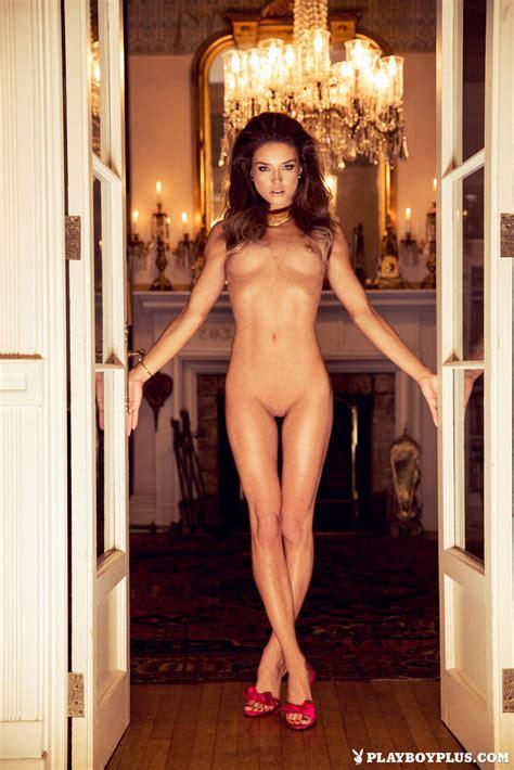 Jennifer Nude Tilly Video