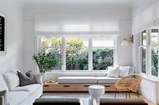 gardinen für wohnzimmer große fenster fensterbank zum sitzen modern gestalten 20 designideen