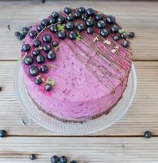 Schwarze Johannisbeere Rezepte - schwarze johannisbeeren torte mit thymian und ricotta