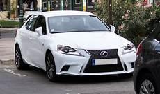 Lexus Is 300h Hybride 223 Ch L Essai Et Les 29 Avis