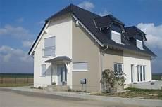 Modern Streichen Streifen Fassadengestaltung Fassaden