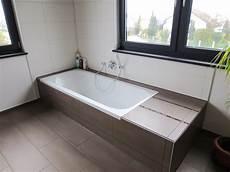 Badewanne Mit Duschbereich - badewanne mit niedriger einstiegsh 246 he eckventil