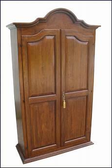 mobili in legno vecchio armadio da ingresso in legno vecchio la commode di
