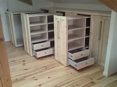 armoire sous comble dressing sous mansarde chambre en 2019 dachgeschoss schlafzimmer schrank dachschr 228 ge et