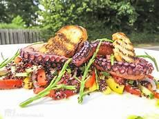 salat mit gegrilltem pulpo salicorne und quinoa