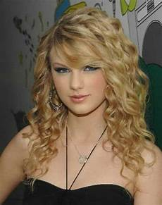 Best Curly Hairstyles For Faces