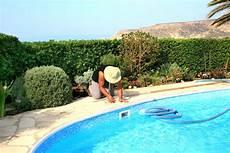 le cout d une piscine co 251 t annuel d entretien d une piscine