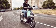 bosch e roller coup takes in madrid with 850 electric scooters