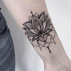 tatouage fleur zoom sur le mysticisme derri 232 re le lotus