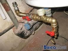 soupape de sécurité ballon eau chaude soupape ou groupe de s 233 curit 233 pour ballon eau chaude