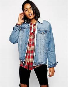veste en jean mouton femme asos design asos veste en jean 224 d 233 lavage moyen avec
