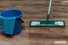 Laminat Reinigen Mit Hausmitteln Preiswert Und Nat 252 Rlich