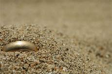 lost your wedding ring these strangers will find it for