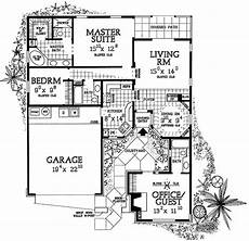 single level house plans with courtyard house plan with entry courtyard 81321w architectural